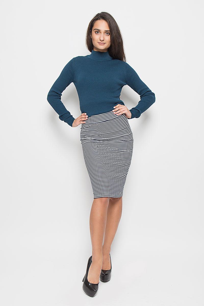 Юбка5513300.00.71_8005Стильная облегающая юбка Tom Tailor Denim длиной до колен с посадкой на талии будет отлично смотреться на вас. Модель выполнена из высококачественного материала, что позволяет прекрасно подчеркнуть фигуру. На талии - широкая эластичная резинка. Оформлено изделие контрастным принтом в полоску. Эта юбка идеальный вариант для создания эффектного образа.