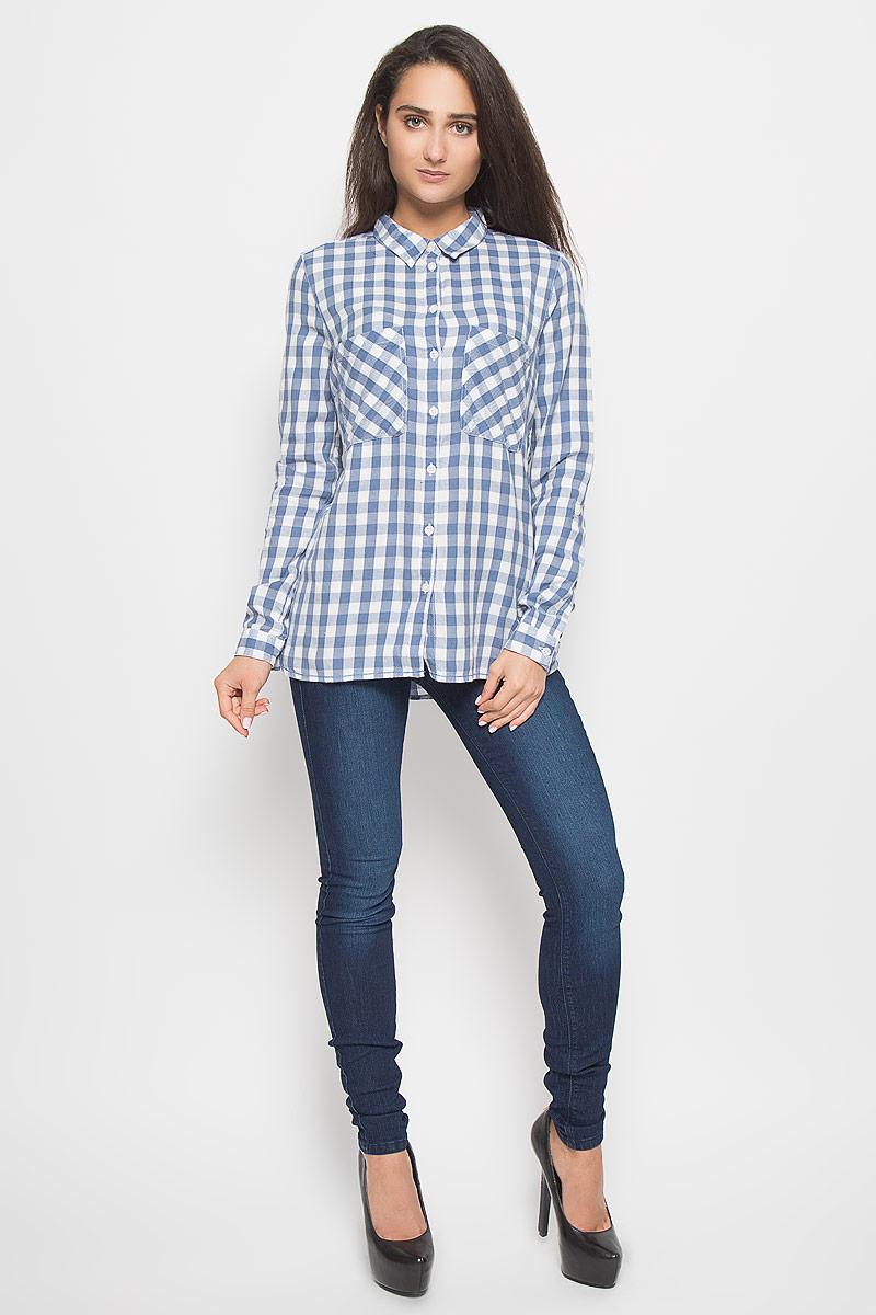Рубашка2032160.09.71_6731Стильная женская рубашка Tom Tailor Denim, выполненная из натурального хлопка, подчеркнет ваш уникальный стиль и поможет создать оригинальный образ. Такой материал великолепно пропускает воздух, обеспечивая необходимую вентиляцию, а также обладает высокой гигроскопичностью. Рубашка с длинными рукавами и отложным воротником застегивается на пуговицы спереди. Манжеты рукавов также застегиваются на пуговицы. Модель дополнена двумя нагрудными карманами. Рубашка оформлена принтом в клетку. Классическая рубашка - превосходный вариант для базового гардероба и отличное решение на каждый день. Такая рубашка будет дарить вам комфорт в течение всего дня и послужит замечательным дополнением к вашему гардеробу.