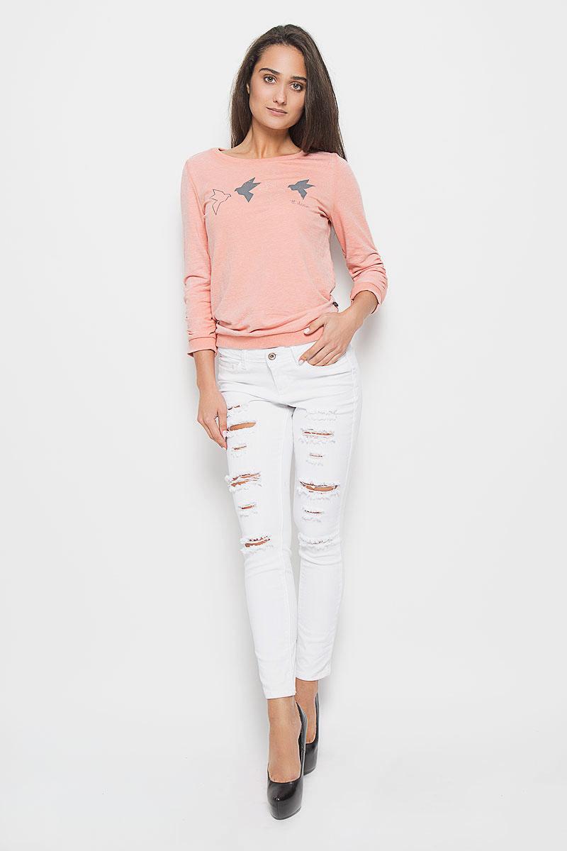 Джинсы6205205.05.71_2000Стильные укороченные женские джинсы Tom Tailor Denim Jona - это джинсы высочайшего качества, которые прекрасно сидят. Они выполнены из высококачественного эластичного хлопка, что обеспечивает комфорт и удобство при носке. Модные джинсы скинни низкой посадки станут отличным дополнением к вашему современному образу. Джинсы застегиваются на пуговицу в поясе и ширинку на застежке-молнии, имеют шлевки для ремня. Джинсы имеют классический пятикарманный крой: спереди модель оформлена двумя втачными карманами и одним маленьким накладным кармашком, а сзади - двумя накладными карманами. Оформлена модель рваным эффектом. Эти модные и в то же время комфортные джинсы послужат отличным дополнением к вашему гардеробу.