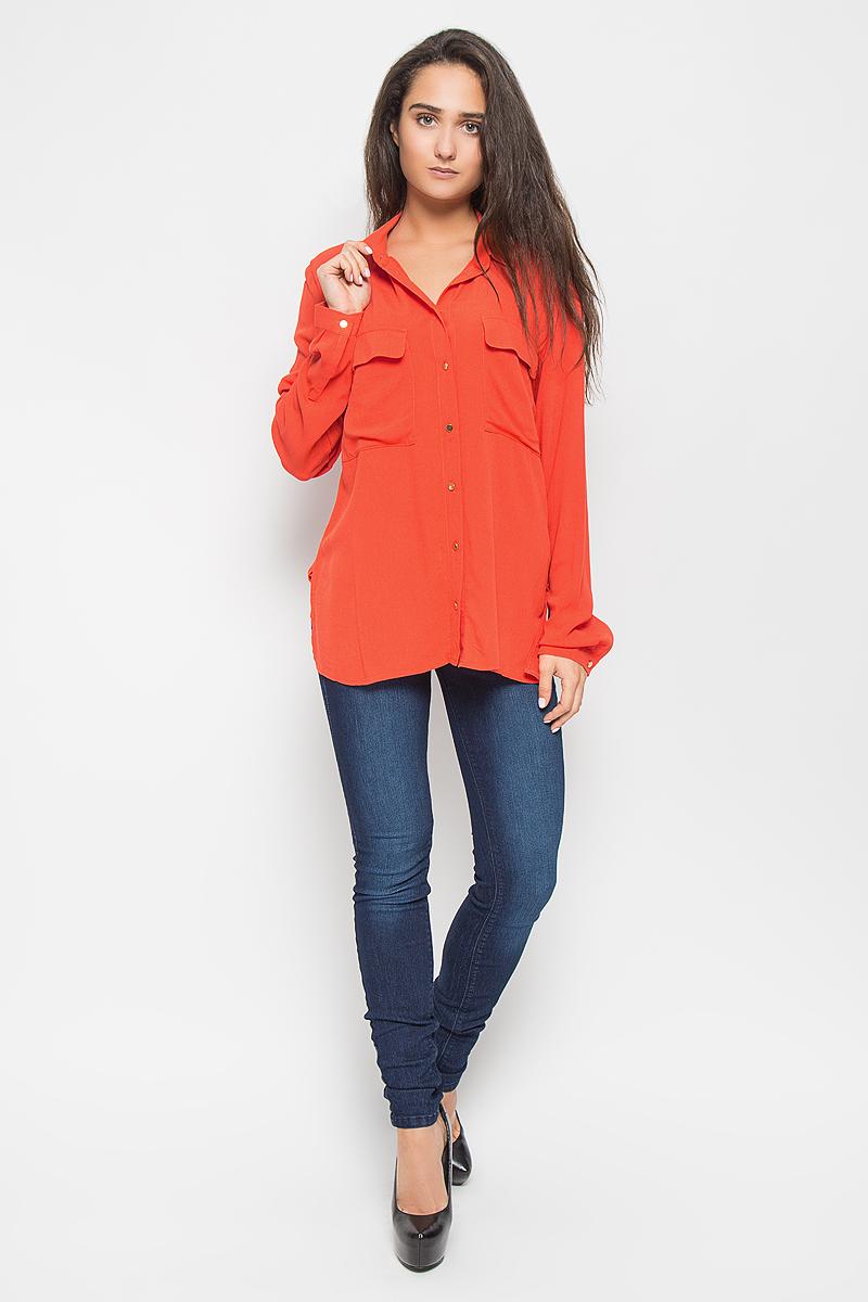Рубашка2032621.00.75_3545Стильная женская рубашка Tom Tailor Contemporary, выполненная из натуральной вискозы, подчеркнет ваш уникальный стиль и поможет создать оригинальный образ. Такой материал великолепно пропускает воздух, обеспечивая необходимую вентиляцию, а также обладает высокой гигроскопичностью. Рубашка с длинными рукавами и отложным воротником застегивается на пуговицы спереди. Манжеты рукавов также застегиваются на пуговицы. Модель дополнена двумя нагрудными карманами с клапанами. Классическая рубашка - превосходный вариант для базового гардероба и отличное решение на каждый день. Такая рубашка будет дарить вам комфорт в течение всего дня и послужит замечательным дополнением к вашему гардеробу.