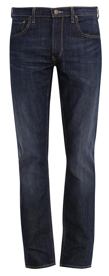 ДжинсыL707AADYСтильные мужские джинсы Lee - джинсы высочайшего качества, которые прекрасно сидят. Модель слегка зауженного к низу кроя и средней посадки изготовлена из хлопка с добавлением эластомультиэстера, не сковывает движения и дарит комфорт. Джинсы на талии застегиваются на металлическую пуговицу, а также имеют ширинку на застежке-молнии и шлевки для ремня. Спереди модель дополнена двумя втачными карманами и одним небольшим накладным кармашком, а сзади - двумя большими накладными карманами. Модель оформлена перманентными складками и состариванием денима.