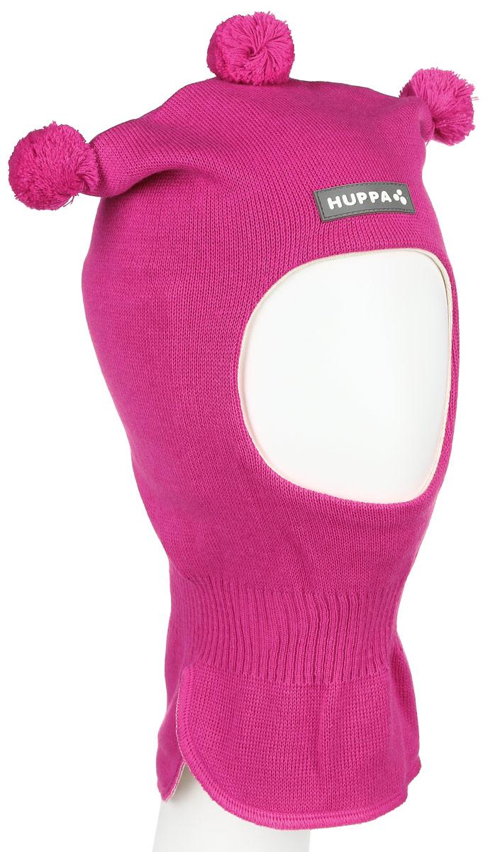 Шапка детская85070000-60013Теплая шапка-шлем Huppa Coco выполнена из мериносовой шерсти с добавлением акрила, подкладка выполнена из натурального хлопка. Изделие оснащено мембраной для защиты ушей от холода. Модель декорирована тремя небольшими помпонами. Шейная часть изделия связана резинкой. Уважаемые клиенты! Обращаем ваше внимание на тот факт, что размер, доступный для заказа, является обхватом головы.