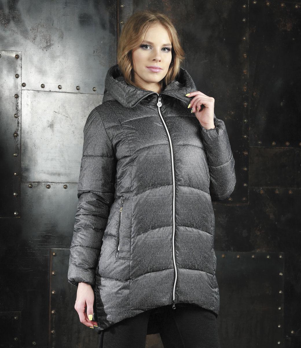 КурткаAL-2961/1Удобная и комфортная куртка модного силуэта кокон с застежкой на молнию и элегантным глубоким капюшоном, отороченным мехом енота, дополнительно защищающим от непогоды. Длина до середины бедра, удлиненная по спинке, 2 боковых втачных кармана на молнии. Незаменимая модель в холодную осеннюю и зимнюю погоду. Утеплитель 100% микрофайбер. Микрофайбер это утеплитель нового поколения, который отличается повышенной теплоизоляцией, антибактериальными свойствами, долговечностью в использовании,и необычайно легок в носке и уходе. Изделия легко стираются в машинке, не теряя первоначального внешнего вида.