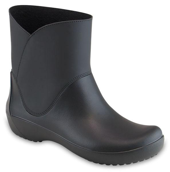 203417-001Стильная модель резиновых полусапог от Crocs создана специально для женщин. Легкие и водонепроницаемые, они отлично смотрятся как с джинсами, так и с платьями. Невероятно легкие полусапоги выполнены из материала Croslite. Стелька с подкладкой обеспечивает комфорт при ходьбе. Резиновые протекторы на подошве обеспечивают устойчивость.