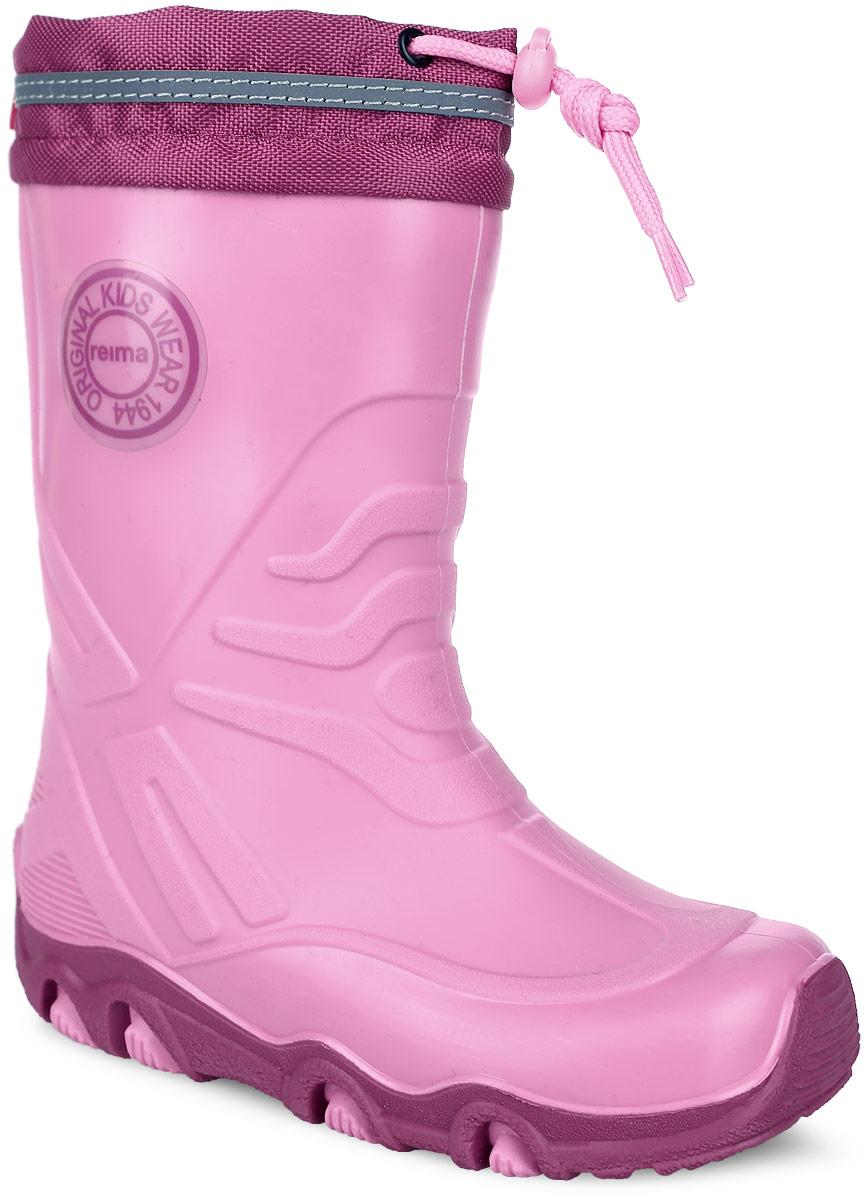 569286-4620Детские резиновые сапоги Reima - идеальная обувь в дождливую погоду. Сапоги изготовлены из термопластичной резины. Подкладка и стелька выполнены из искусственной шерсти, отлично сохраняющей тепло и обеспечивающей комфорт ногам. Подошва с протектором предотвращает скольжение. Текстильный верх голенища регулируется в объеме за счет шнурка со стоппером. В таких резиновых сапогах ножкам ребенка будет комфортно и уютно.
