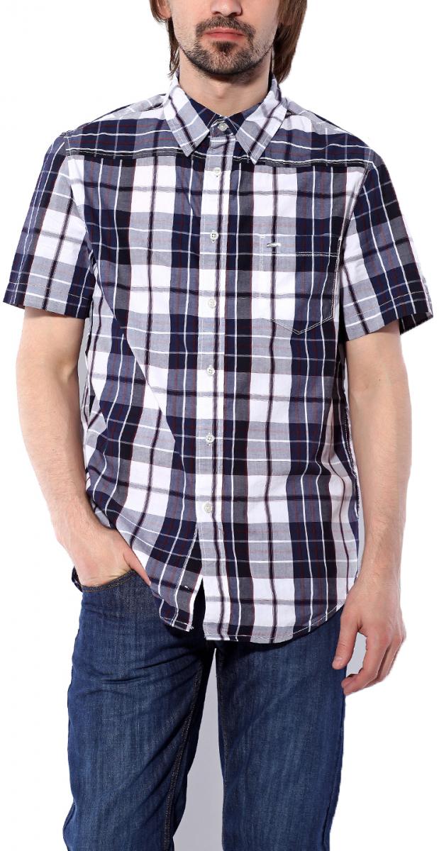 Рубашка11061 NBWМужская рубашка Montana выполнена из натурального хлопка. Модель с отложным воротником и короткими рукавами застегивается на пуговицы по все длине. Спереди изделие дополнено накладным карманом. Рубашка оформлена принтом в клетку и дополнена фирменной, металлической нашивкой.