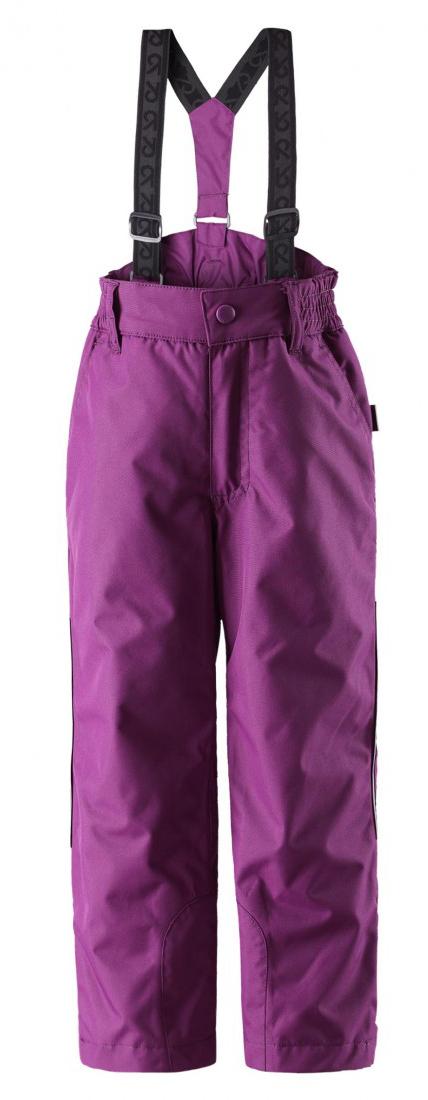 Брюки утепленные522207_2840Теплые детские брюки Reima Procyon идеально подойдут для ребенка в холодное время года. Брюки изготовлены из водоотталкивающей и ветрозащитной мембранной ткани с утеплителем из 100% полиэстера. Материал отличается высокой устойчивостью к трению, благодаря специальной обработке полиуретаном поверхность изделия отталкивает грязь и воду, что облегчает поддержание аккуратного вида одежды, дышащее покрытие с изнаночной части не раздражает даже самую нежную и чувствительную кожу ребенка, обеспечивая ему наибольший комфорт. Брюки застегиваются на кнопку и ширинку на застежке-молнии и имеют съемные эластичные наплечные лямки, регулируемые по длине. На талии предусмотрена широкая эластичная резинка, которая позволяет надежно заправить в брюки водолазку или свитер. Имеются шлевки для ремня. Спереди модель дополнена двумя втачными карманами со скошенными краями. Снизу брючин предусмотрены внутренние манжеты с прорезиненными полосками, препятствующие попаданию снега в обувь и не дающие...
