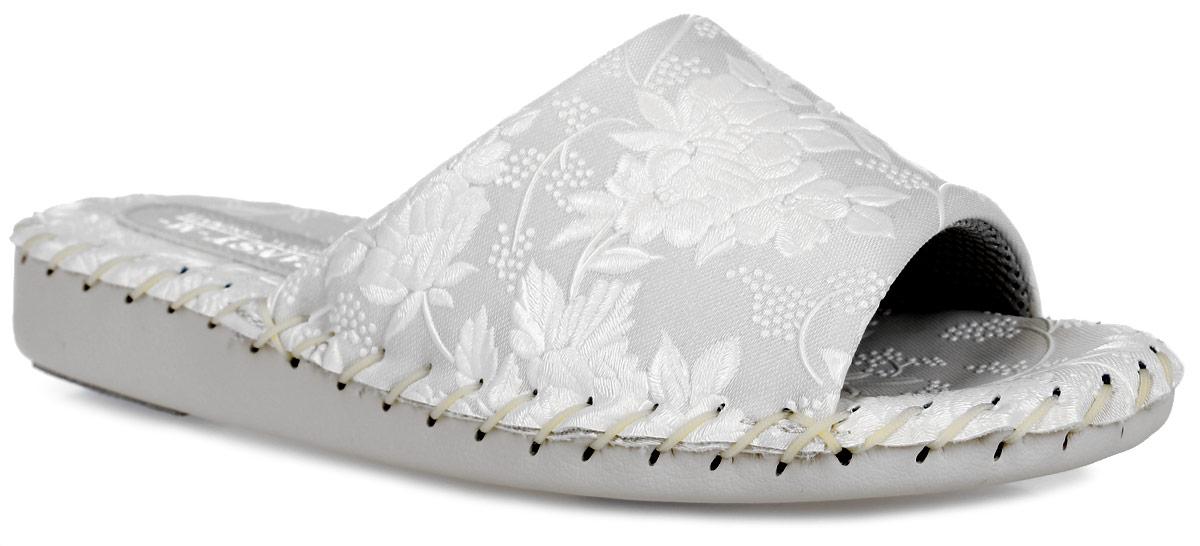 N9383_BeigeДомашняя обувь от Pansy - стандарт технологий комфорта из Японии: Mould - тапки Pansy проектируется и изготавливается по технологии современной модельной обуви: многослойная подошва и обувные материалы, обеспечивают функциональность модельной обуви при весе одного тапка от 100 до max 150 г . 3 Point - японская ортопедическая подошва снижает нагрузку на основные опорные точки, уменьшает разогрев стопы и поддерживает ее в оптимальном положении. Aerolite - технология фирмы Teijin Cordley Ltd. по изготовлению искусственной кожи с заранее заданными свойствами. Волокна аэрокапсульного волокна с включениями пузырьков воздуха выращивают с параметрами превышающие характеристики натуральной кожи по массе, гигроскопичности и износостойкости. Cool Max - сетка, используемая для быстрого отвода и испарения влаги, снижения температуры на особо нагруженных поверхностях по патенту фирмы Toray Inc. Zeomix - глубокая антибактериальная обработка ионами серебра по...