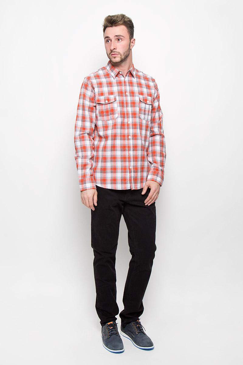 РубашкаH-212/715-6424Стильная мужская рубашка Sela Casual Wear, изготовленная из натурального хлопка, необычайно мягкая и приятная на ощупь, не сковывает движения и позволяет коже дышать, не раздражает даже самую нежную и чувствительную кожу, обеспечивая наибольший комфорт. Модная рубашка в клетку с длинными рукавами и отложным воротником застегивается на пуговицы. Рукава дополнены манжетами на пуговицах. На груди модель оформлена накладными карманами с клапанами на пуговицах. Эта рубашка идеальный вариант для повседневного гардероба. Такая модель порадует настоящих ценителей комфорта и практичности!