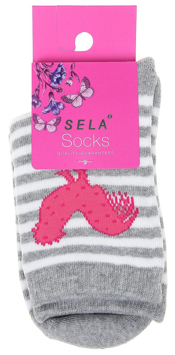 SOb-4/028-6303Детские носки Sela, изготовленные из высококачественного материала, идеально подойдут вашему ребенку. Благодаря содержанию мягкого хлопка и полиэстера в составе кожа сможет дышать, а эластан делает носочки более комфортными в носке. Оформлены носочки принтом в полоску. Эластичная резинка плотно облегает ножку ребенка, не сдавливая ее, обеспечивая комфорт и удобство.