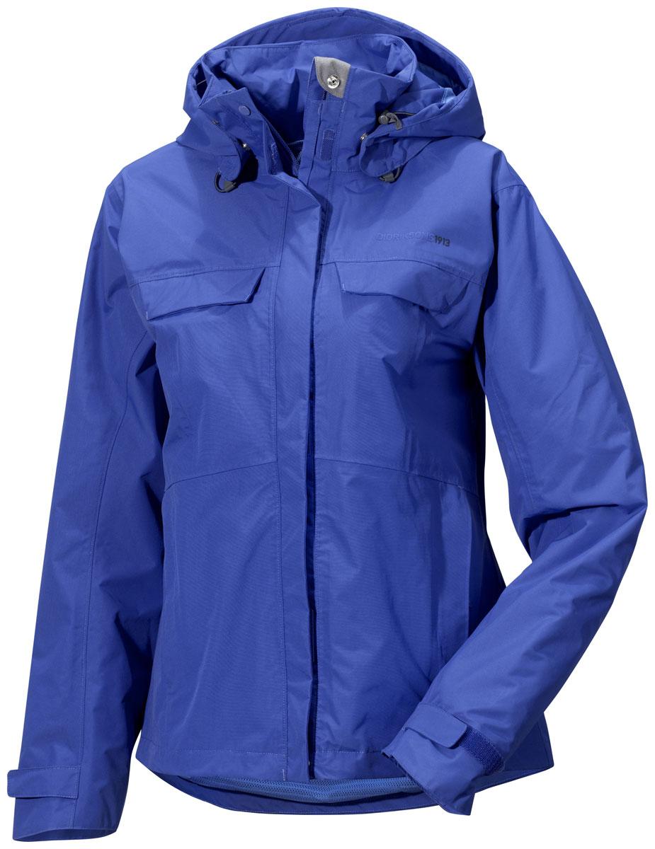 Куртка500456_105Модная женская куртка Didriksons1913 Albula изготовлена из ветронепроницаемой дышащей ткани - высококачественного полиамида. Технология Storm System обеспечивает 100% водонепроницаемость и защиту от любых погодных условий. Подкладка выполнена из полиэстера и полиамида. Модель оформлена съемным капюшоном застегивается на пластиковую молнию и дополнительно на двойной ветрозащитный клапан на липучках. Капюшон регулируется с помощью эластичных шнурков со стопперами и дополнен небольшим укрепленным козырьком. Спереди изделие дополнено двумя втачными карманами на молнии и двумя прорезными карманами, закрывающимися на клапаны с кнопками, с внутренней стороны - одним прорезным на застежке молнии. Манжеты рукавов дополнены хлястиками на липучках, регулирующих ширину рукавов. Нижняя часть изделия с внутренней стороны регулируется за счет эластичного шнурка со стопперами.