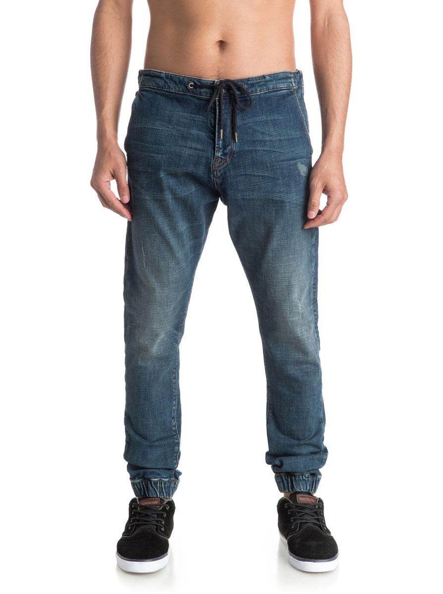EQYDP03234-BMEWМужские джинсы Quiksilver Bradfonic M Pant Bmew выполнены из высококачественного эластичного хлопка с добавлением эластана. Джинсы-слим со стандартной посадкой застегиваются на пуговицу в поясе и ширинку на застежке-молнии, дополнены по спинке в поясе эластичной резинкой и завязками-шнурками . Спереди модель дополнена двумя втачными карманами и двумя маленькими накладными кармашками, а сзади - двумя накладными карманами, один из который застегивается на металлическую пуговицу. Джинсы украшены декоративными потертостями, а низ брючин выполнен на эластичной резинке.