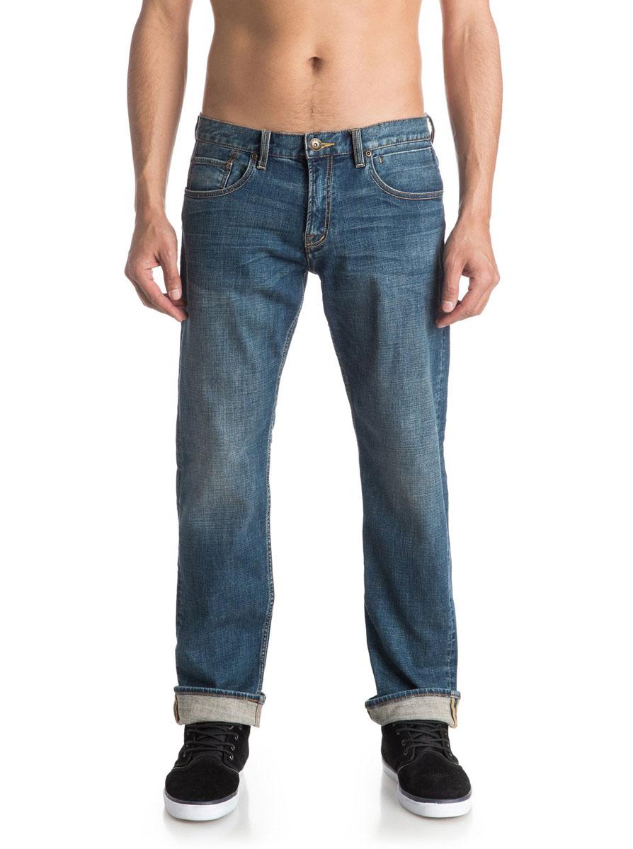 EQYDP03217-BYGWМужские джинсы Quiksilver Sequelmedblue32 выполнены из высококачественного эластичного хлопка. Джинсы прямого кроя и стандартной посадки застегиваются на пуговицу в поясе и ширинку на застежке-молнии, дополнены шлевками для ремня. Спереди модель дополнена двумя втачными карманами и двумя маленькими накладными кармашками, а сзади - двумя накладными карманами. Джинсы украшены декоративными потертостями.