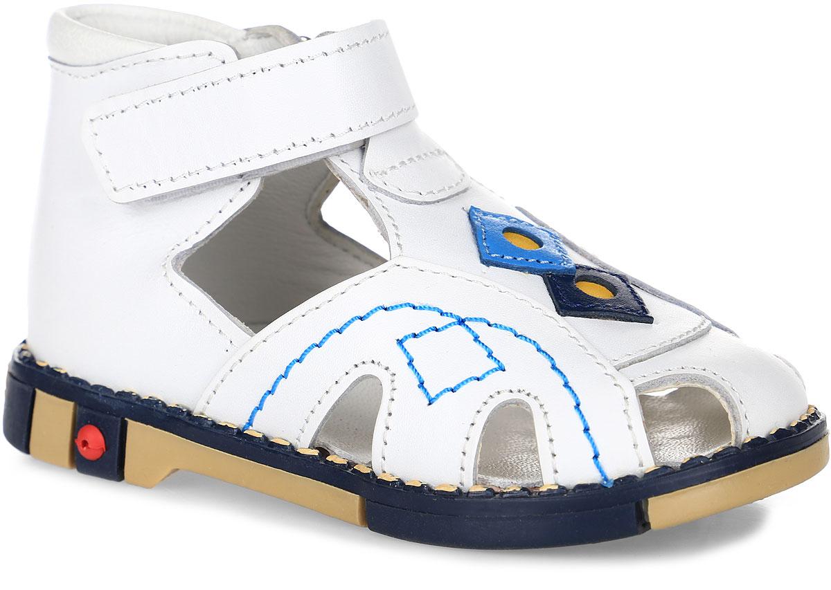 Tas244-02Модные сандалии Таши Орто заинтересуют вашего ребенка с первого взгляда. Модель выполнена из натуральной кожи. Ремешок на застежке-липучке помогает оптимально подогнать полноту обуви по ноге и гарантирует надежную фиксацию. Благодаря такой застежке ребенок может самостоятельно надевать обувь. Анатомическая стелька из натуральной кожи с супинатором, не продавливающимся во время носки, обеспечивает правильное формирование стопы. Благодаря использованию современных внутренних материалов оптимально распределяется нагрузка по всей площади стопы, что дает ножке ощущение мягкости и комфорта. Полужесткий задник фиксирует ножку ребенка. Мягкая верхняя часть, которая плотно прилегает к ноге, и подкладка, изготовленная из натуральной кожи, позволяют избежать натирания. У модели ортопедический каблук высотой от 2 до 5 мм (в зависимости от размера обуви), продленный с внутренней стороны, укрепляет подошву под средней частью стопы и препятствует заваливанию стопы внутрь (что...