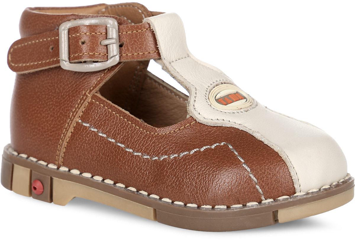 Tas219-03Стильные детские сандалии Таши Орто заинтересуют вашего ребенка с первого взгляда. Модель выполнена из натуральной кожи контрастных цветов. Ремешок на застежке-пряжке помогают оптимально подогнать полноту обуви по ноге и гарантируют надежную фиксацию. Мыс сандалий декорирован символикой бренда. Анатомическая стелька из натуральной кожи с супинатором, не продавливающимся во время носки, обеспечивает правильное формирование стопы. Благодаря использованию современных внутренних материалов оптимально распределяется нагрузка по всей площади стопы, что дает ножке ощущение мягкости и комфорта. Полужесткий задник фиксирует ножку ребенка. Мягкая верхняя часть, которая плотно прилегает к ноге, и подкладка, изготовленная из натуральной кожи, позволяют избежать натирания. У изделия ортопедический каблук Томаса высотой от 2 до 5 мм (в зависимости от размера обуви), продленный с внутренней стороны подошвы, его внутренняя часть длиннее наружной, укрепляет подошву под средней частью...