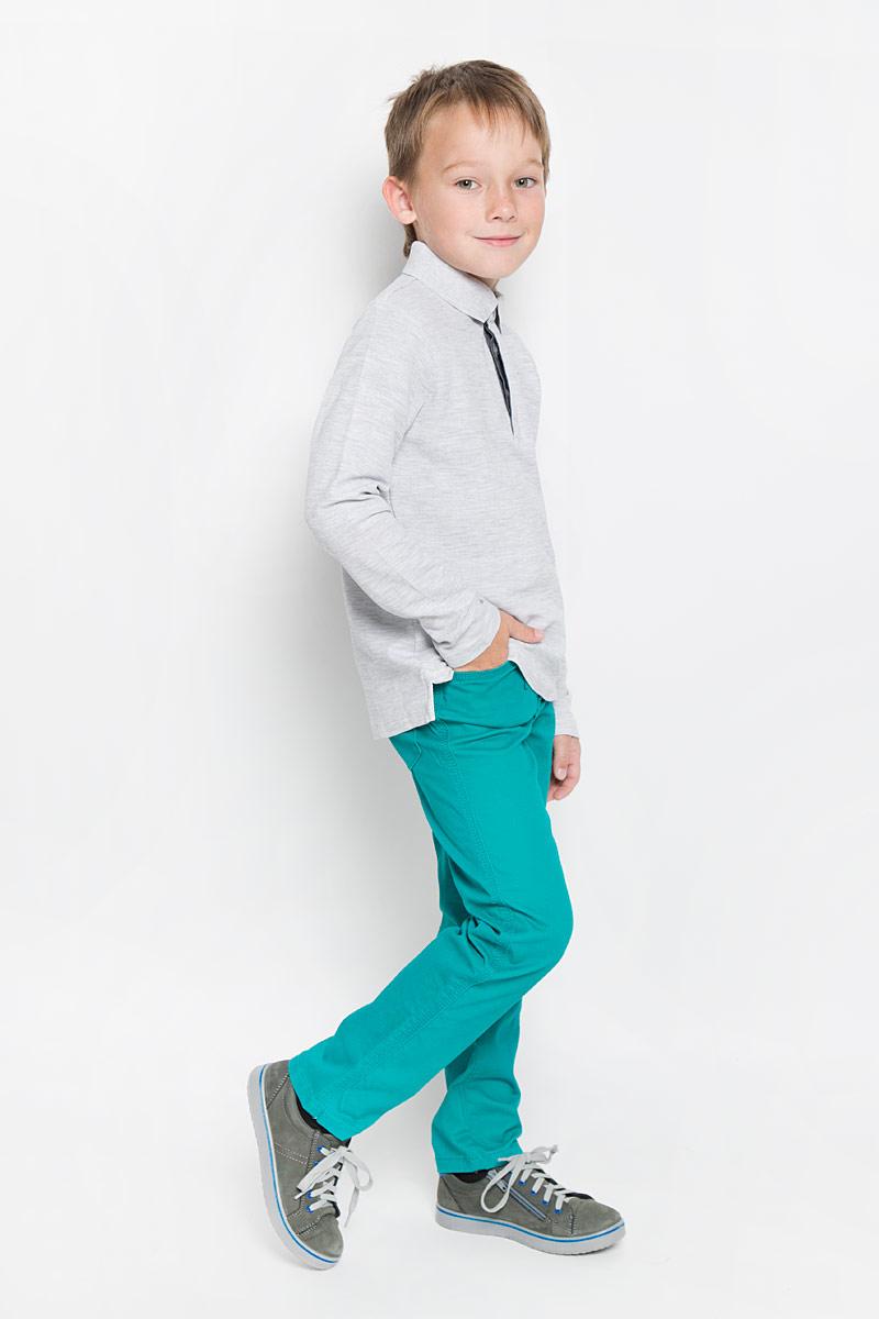 ПолоTp-811/1024-6332Поло для мальчика Sela с длинными рукавами идеально подойдет вашему маленькому мужчине. Изготовленная из натурального хлопка, она необычайно мягкая и приятная на ощупь, не сковывает движения малыша и позволяет коже дышать, не раздражает даже самую нежную и чувствительную кожу ребенка, обеспечивая ему наибольший комфорт. Модель с отложным воротничком-поло сверху застегивается на три пуговицы скрытые под планкой. Воротник выполнен из плотного трикотажа. Боковые швы дополнены не большими разрезами. Оригинальный современный дизайн и модная расцветка делают эту кофту модным и стильным предметом детского гардероба. В ней ваш малыш будет чувствовать себя уютно и комфортно и всегда будет в центре внимания!
