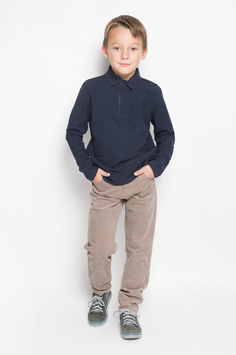 Tp-811/1024-6332Поло для мальчика Sela с длинными рукавами идеально подойдет вашему маленькому мужчине. Изготовленная из натурального хлопка, она необычайно мягкая и приятная на ощупь, не сковывает движения малыша и позволяет коже дышать, не раздражает даже самую нежную и чувствительную кожу ребенка, обеспечивая ему наибольший комфорт. Модель с отложным воротничком-поло сверху застегивается на три пуговицы скрытые под планкой. Воротник выполнен из плотного трикотажа. Боковые швы дополнены не большими разрезами. Оригинальный современный дизайн и модная расцветка делают эту кофту модным и стильным предметом детского гардероба. В ней ваш малыш будет чувствовать себя уютно и комфортно и всегда будет в центре внимания!