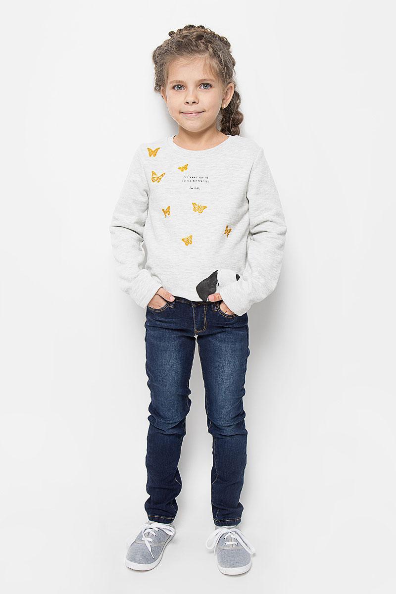 ДжинсыPJ-635/039-6392Стильные джинсы для девочки Sela идеально подойдут вашей маленькой принцессе для отдыха и прогулок. Изготовленные из хлопка с добавлением полиэстера и эластана, они необычайно мягкие и приятные на ощупь, не сковывают движения и позволяют коже дышать, не раздражают даже самую нежную и чувствительную кожу ребенка, обеспечивая ему наибольший комфорт. Джинсы, на талии застегиваются на металлическую пуговицу, также имеются шлевки для ремня и ширинка на металлической застежке-молнии. С внутренней стороны пояс регулируется резинкой на пуговицах. Модель спереди дополнена двумя карманами и одним маленьким кармашком, а сзади - двумя накладными карманами. Оригинальный современный дизайн и модная расцветка делают эти джинсы модным и стильным предметом детского гардероба. В них ваша маленькая модница всегда будет в центре внимания!
