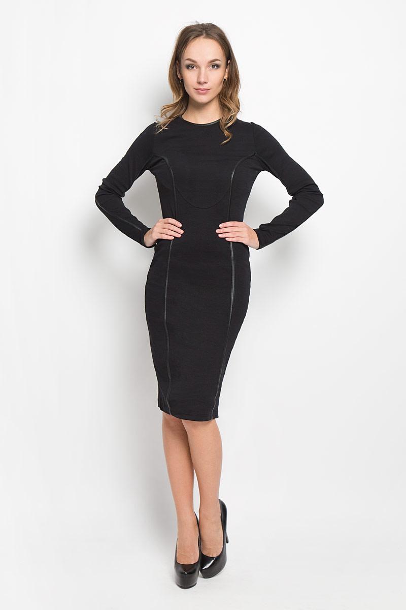 Платье00STBU-0QAIN/900Ультрамодное платье Diesel, выполненное из высококачественного материала, очень приятное на ощупь. Такое платье обеспечит вам комфорт и удобство при носке. Модель с длинными руками и круглым вырезом горловины выгодно подчеркнет все достоинства вашей фигуры благодаря слегка приталенному силуэту. Сзади модель дополнена интересной сетчатой вставкой, а также по всему платью проходят искусственные кожаные вставки. Это модное и удобное платье станет превосходным дополнением к вашему гардеробу, оно подарит вам удобство и поможет вам подчеркнуть свой вкус и неповторимый стиль.