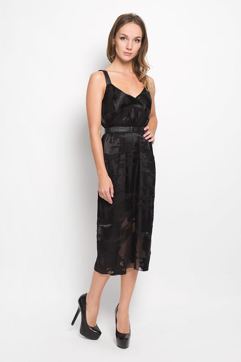 Платье00STR2-0NANI/900Ультрамодное платье Diesel, выполненное из вискозы с добавлением нейлона и шелка, покорит своим превосходным дизайном. Платье-миди дополнено регулируемыми лямками и поясом из искусственной кожи. Оформлено изделие оригинальным принтом под камуфляж. В таком наряде вы безусловно привлечете восхищенные взгляды окружающих.
