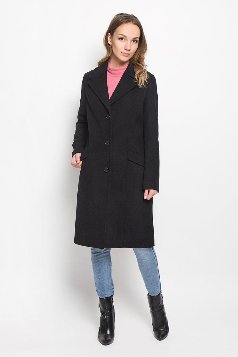 Пальто031171181/990Стильное женское пальто Marc OPolo, выполненное из шерсти с добавлением полиэстера, согреет вас в холодную погоду и позволит выделиться из толпы. Изделие дополнено подкладкой из полиэстера и вискозы. Модель с отложным воротником с лацканами застегивается на три пуговицы. Спереди пальто оформлено двумя прорезными карманами. Сзади расположен декоративный хлястик. С внутренней стороны расположен маленький накладной карман. Такое стильное пальто станет прекрасным дополнением к вашему гардеробу, оно подарит вам комфорт и тепло.