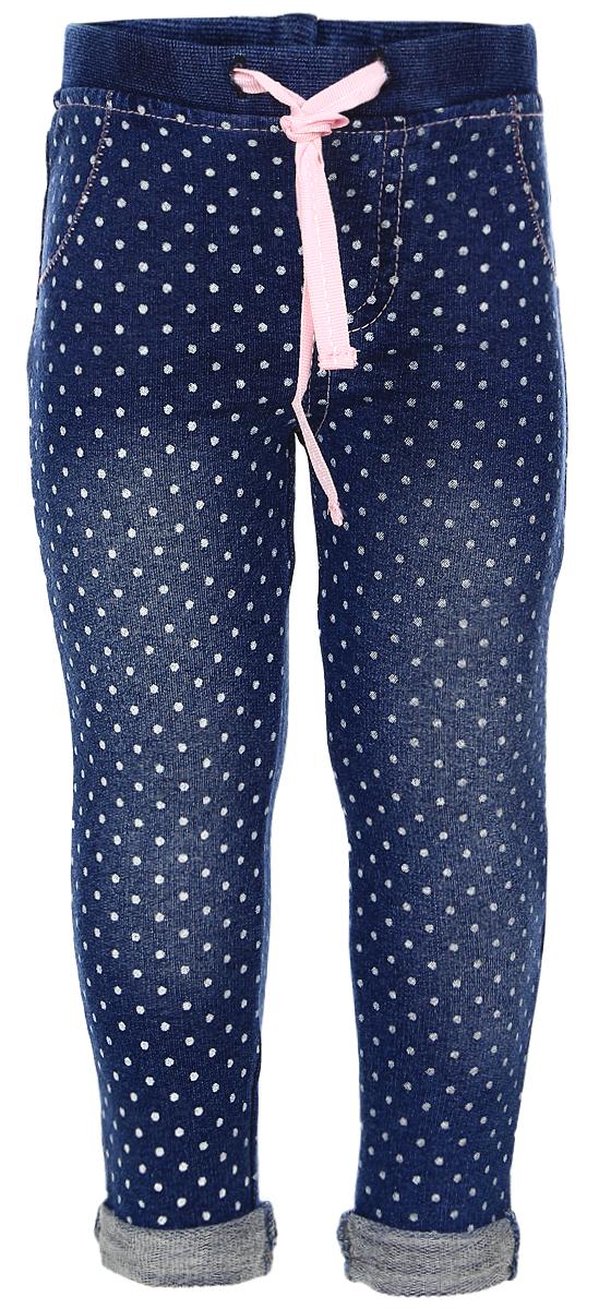 368057Стильные брюки для девочки PlayToday идеально подойдут вашей маленькой принцессе для отдыха и прогулок. Изготовленные из хлопка с добавлением эластана, они необычайно мягкие и приятные на ощупь, не сковывают движения и позволяют коже дышать, не раздражают даже самую нежную и чувствительную кожу ребенка, обеспечивая ему наибольший комфорт. Пояс на мягкой трикотажной резинке, дополнительно регулируется контрастной тесьмой. Модель спереди дополнена имитацией карманов и ширинки. Сзади два функциональных кармана с вышивкой. Украшены брюки принтом в мелкий горошек. Оригинальный современный дизайн и модная расцветка делают эти брюки модным и стильным предметом детского гардероба. В них ваша дочурка всегда будет в центре внимания!
