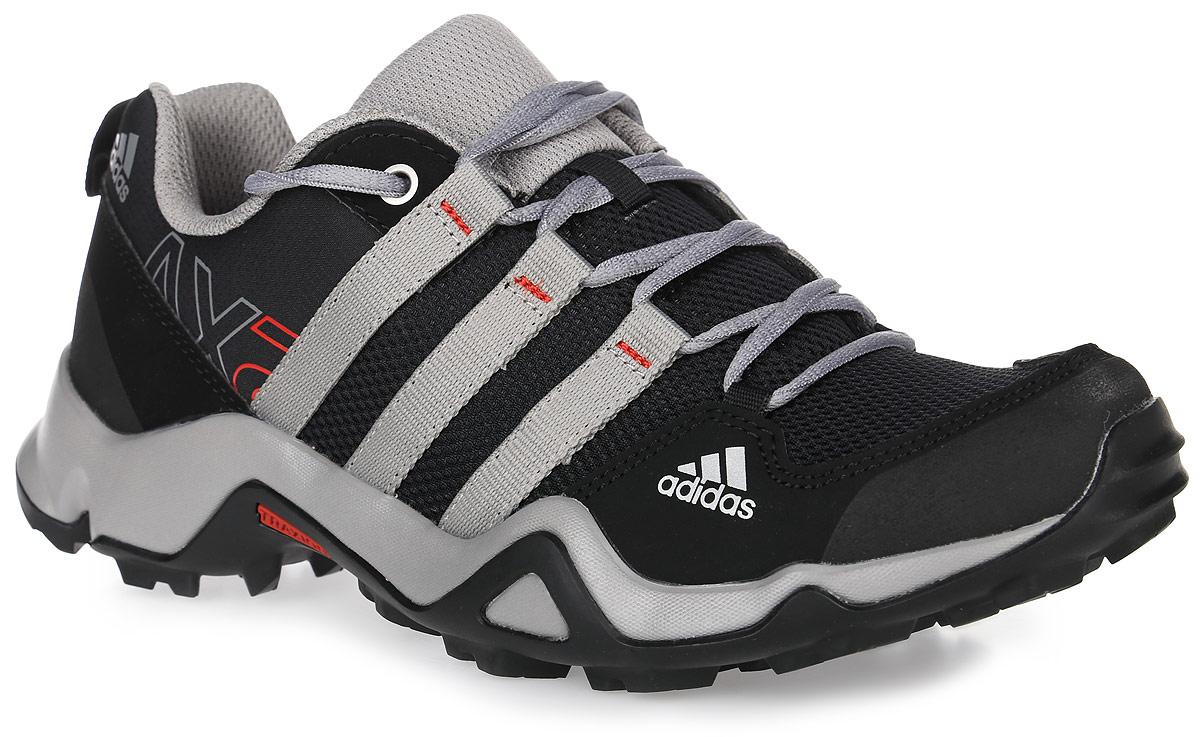 AQ4124Детские кроссовки для туризма adidas Performance Ax2 K выполнены из текстиля с сетчатыми и полимерными вставками. Они предназначены для простых пеших маршрутов и повседневного ношения. Сбоку кроссовки украшены логотипом бренда. Обувь фиксируется на ноге при помощи классической шнуровки. Подкладка выполнена из текстиля, стелька изготовлена из ЭВА с текстильным покрытием. Цепкая подошва Traxion™ из резины со сверхвысоким коэффициентом трения дополнена крупным рифлением.