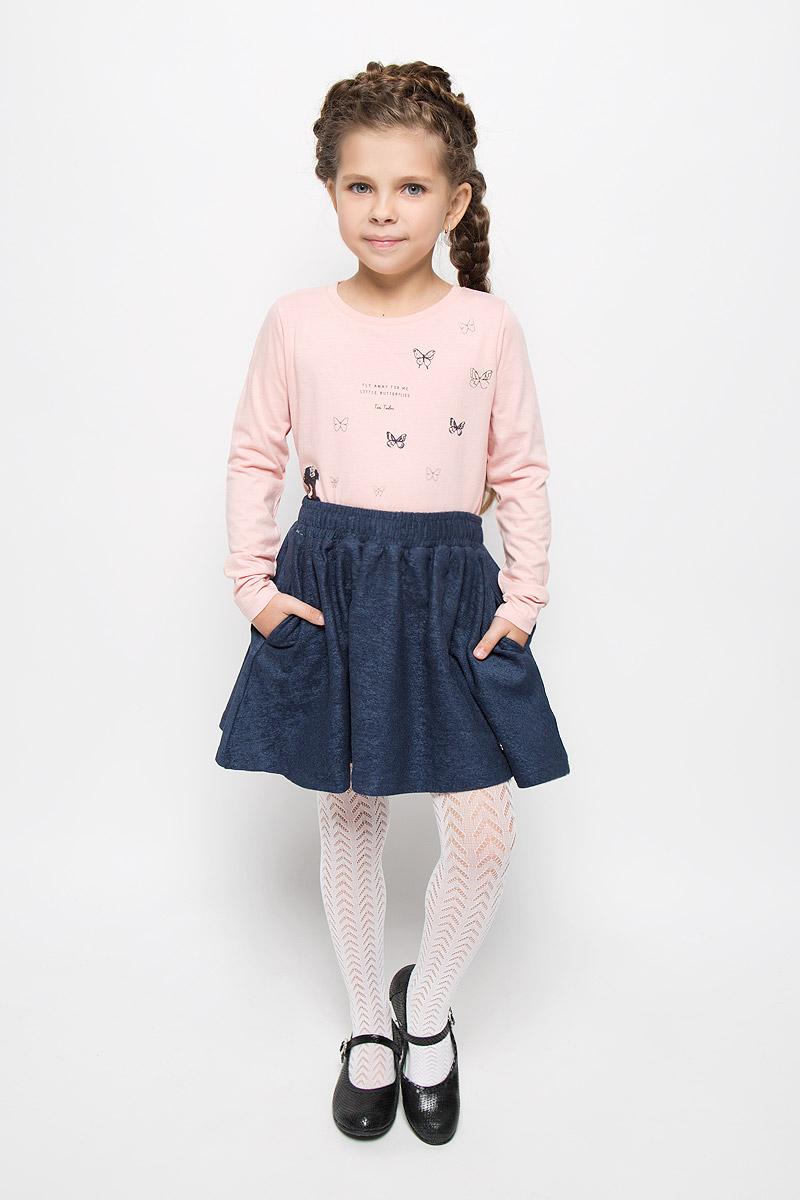Юбка216BBGC55011012Юбка для девочки Button Blue подойдет вашей маленькой моднице и станет отличным дополнением к ее гардеробу. Изготовленная из натурального хлопка с добавлением эластана, она мягкая и приятная на ощупь, не сковывает движения и позволяет коже дышать. Модель на поясе имеет широкую трикотажную резинку, регулируемую скрытым шнурком, благодаря чему юбка не сползает и не сдавливает животик ребенка. От линии талии заложены складочки, придающие изделию пышность. Спереди расположены два втачных кармана. В такой юбочке ваша маленькая принцесса будет чувствовать себя комфортно, уютно и всегда будет в центре внимания!