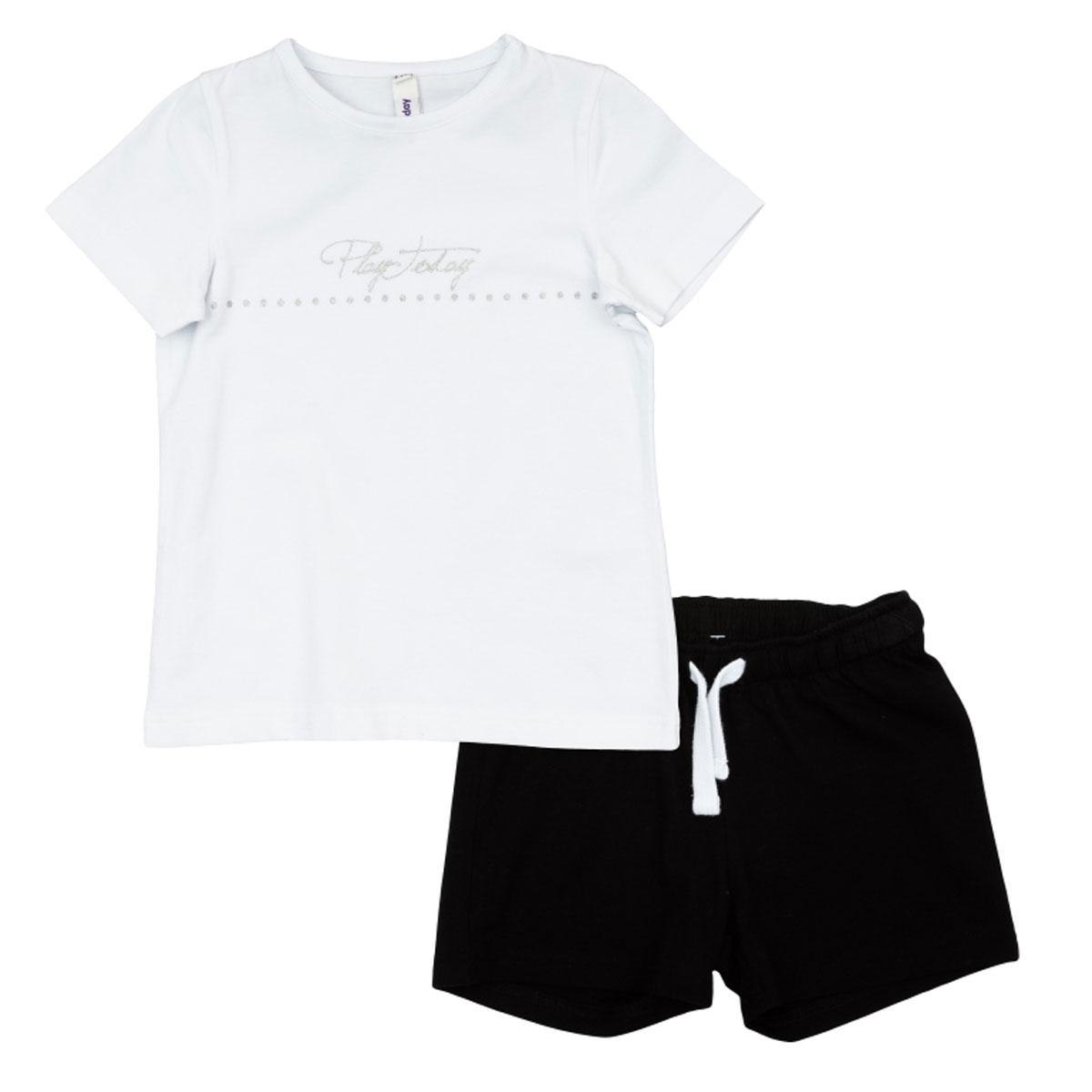 369007Комплект из футболки и шорт в спортивном стиле. Классическое сочетание белого верха и черного низа. Футболка украшена сверкащим глиттерным принтом. Пояс шорт на резинке, дополнительно регулируется контрастным белым шнурком.