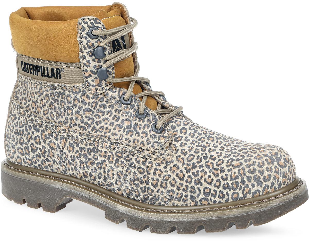 P308859Стильные женские ботинки Colorado от Caterpillar выполнены из натурального спилка. Подкладка изготовлена из мягкого текстиля, съемная стелька выполнена из EVA с текстильной поверхностью. Обувь оформлена крупной прострочкой по ранту и текстильной вставкой с названием бренда сбоку. Шнуровка надежно фиксирует изделие на ноге. Каблук и подошва из резины имеют глубокий рельеф. Модель оформлена леопардовым принтом.