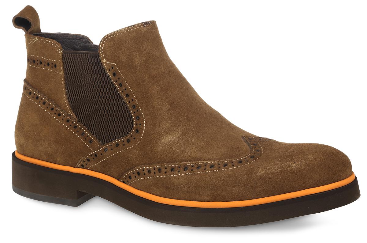 CRP20_1569B-21B_LBROWNМужские ботинки El Tempo выполнены из натурального спилка, оформлены декоративной перфорацией и эластичной вставкой. Обувь фиксируется на ноге при помощи застежки-молнии сбоку. Подкладка и стелька изготовлены из байки. Подошва изготовлена из высококачественной резины.