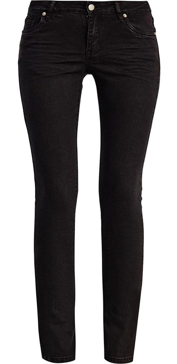 A16-170090_200Стильные женские джинсы Finn Flare выполнены из высококачественного эластичного хлопка. Модные джинсы слим стандартной посадки станут отличным дополнением к вашему современному образу. Джинсы застегиваются на пуговицу в поясе и ширинку на застежке-молнии, имеют шлевки для ремня. Джинсы имеют классический пятикарманный крой: спереди модель оформлена двумя втачными карманами и одним маленьким накладным кармашком, а сзади - двумя накладными карманами.