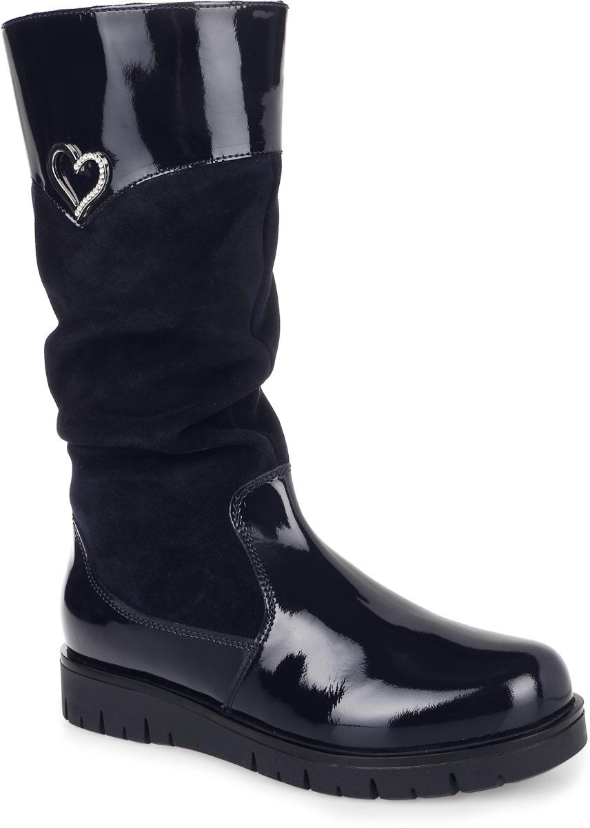 53229у-2Сапоги от Kapika придутся по душе вашей девочке. Модель выполнена из натуральной замши и натурального лака. Изделие на застежке-молнии, что позволит отлично зафиксировать обувь на ноге и облегчит процесс надевания. Боковая сторона декорирована металлическим сердечком со стразами. Голенище дополнено потайными вставками из эластичной резинки, позволяющей регулировать объем. Подкладка и стелька изготовлены из ворсина, что позволяет сохранить тепло и гарантирует уют ногам. Подошва с рифлением обеспечивает идеальное сцепление с любыми поверхностями. Стильные сапоги займут достойное место в гардеробе вашего ребенка.