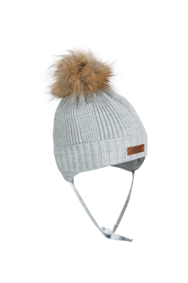 1Ш1617Шапка для мальчика бэби с завязками. Такая шапка хорошо закрывает ушки, завязки фиксируют шапку так, чтобы ничего не мешало игре или прогулке. Шапка мягкая и теплая благодаря утеплителю холлофайбер плотностью 70 г. и составу пряжи 70% шерсть, 30% акрил. Подкладка вискоза отводит излишнюю влагу и сохраняет ощущение комфорта во время прогулок. Шапка с декоративным отворотом и искусственным помпоном.
