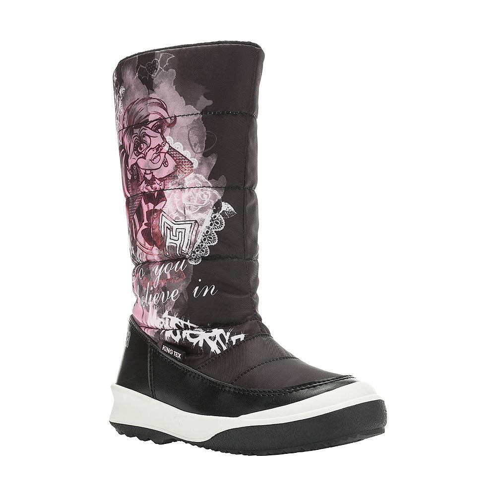 6502BДутики Monster High от Kakadu непременно понравится как маленьким непоседам, так и их заботливым родителям. Модель, выполненная из текстиля King Tex и синтетической кожи, гарантирует непромокаемость. Укрепленные носок и пятка обладают необходимой степенью жесткости для поддержания формы на протяжении всего периода использования. Подкладка из шерсти обеспечивает ногам тепло и сухость при любых климатических условиях. Съемную стельку всегда можно вынуть или заменить. Подошва из термопластичной резины отличается хорошей сцепляемостью с поверхностью и высокой пружинистостью. Благодаря этим качествам дети могут совершать длительные прогулки без чувства усталости в ногах. Детские дутики оформлены ярким изображением героини Monster High. Застежка-молния надежно фиксирует изделие на ноге.
