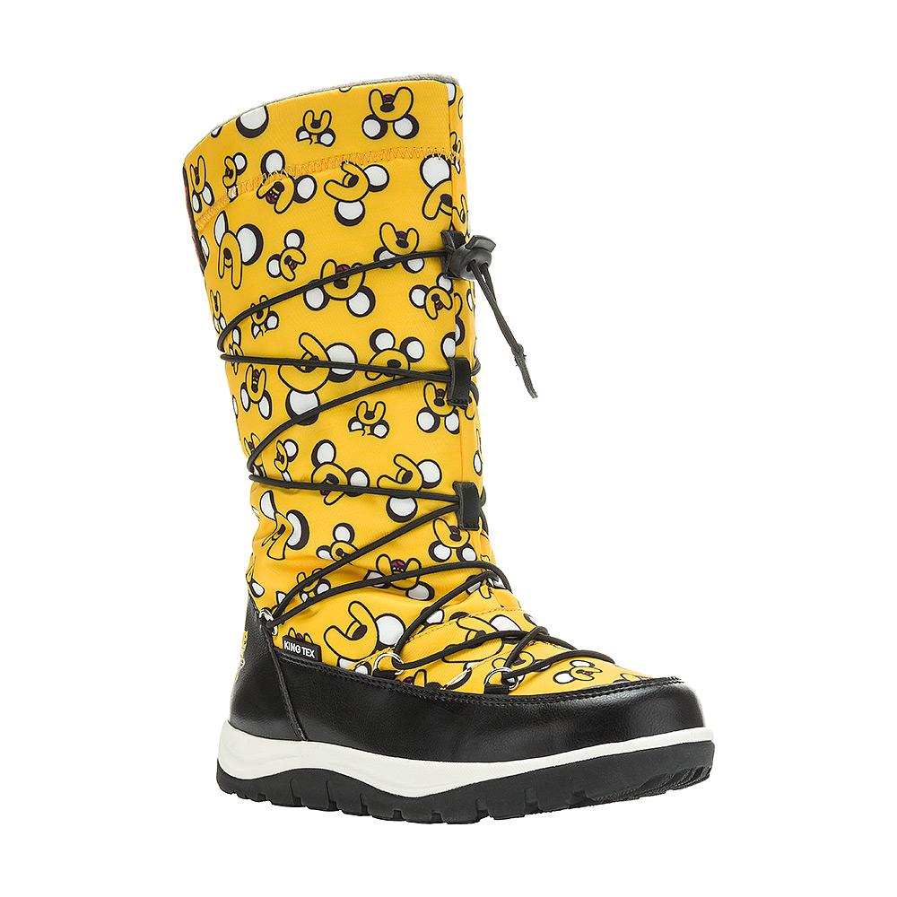 6516AДутики для девочки Adventure Time от Kakadu непременно понравится как юным модницам, так и их заботливым родителям. Модель, выполненная из текстиля King Tex и синтетической кожи, гарантирует непромокаемость. Укрепленные носок и пятка обладают необходимой степенью жесткости для поддержания формы на протяжении всего периода использования. Подкладка из искусственной шерсти обеспечивает ногам тепло и сухость при любых климатических условиях. Съемную стельку всегда можно вынуть или заменить. Облегченная подошва отличается хорошей сцепляемостью с поверхностью и высокой пружинистостью. Благодаря этим качествам дети могут совершать длительные прогулки без чувства усталости в ногах. Детские дутики оформлены яркими изображениями персонажей из мультфильма Время приключений. Застежка-молния надежно фиксирует изделие на ноге. Эластичная шнуровка со стоппером по голенищу позволяет легко подобрать оптимальный объем.