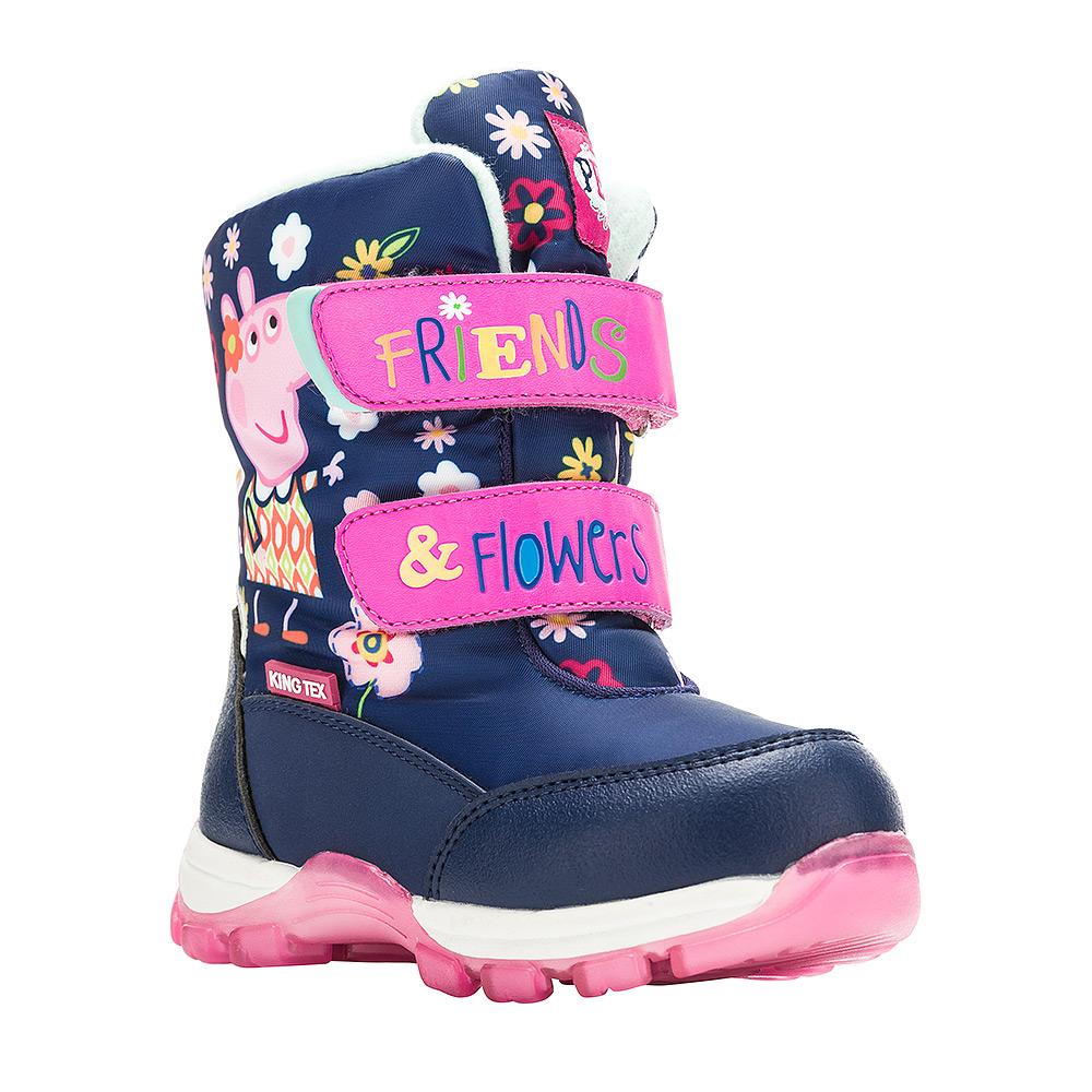 6549AДетские зимние ботинки Peppa Pig от Kakadu придутся по душе вашей девочке. Обувь отличается от аналогов модным дизайном и высокой эргономичностью. Модель оснащена мембраной King Tex. Подкладка из натуральной шерсти обеспечивает ногам тепло и сухость при любых климатических условиях. Съемную стельку ботинок всегда можно вынуть или заменить. Подошва из термопластичной резины отличается малым, хорошей сцепляемостью с поверхностью и высокой пружинистостью. Благодаря этим качествам дети могут совершать длительные прогулки без чувства усталости в ногах. Детские зимние ботинки оформлены ярким рисунком свинки Пеппы. Ремешки на липучках надежно фиксируют изделие на ноге.