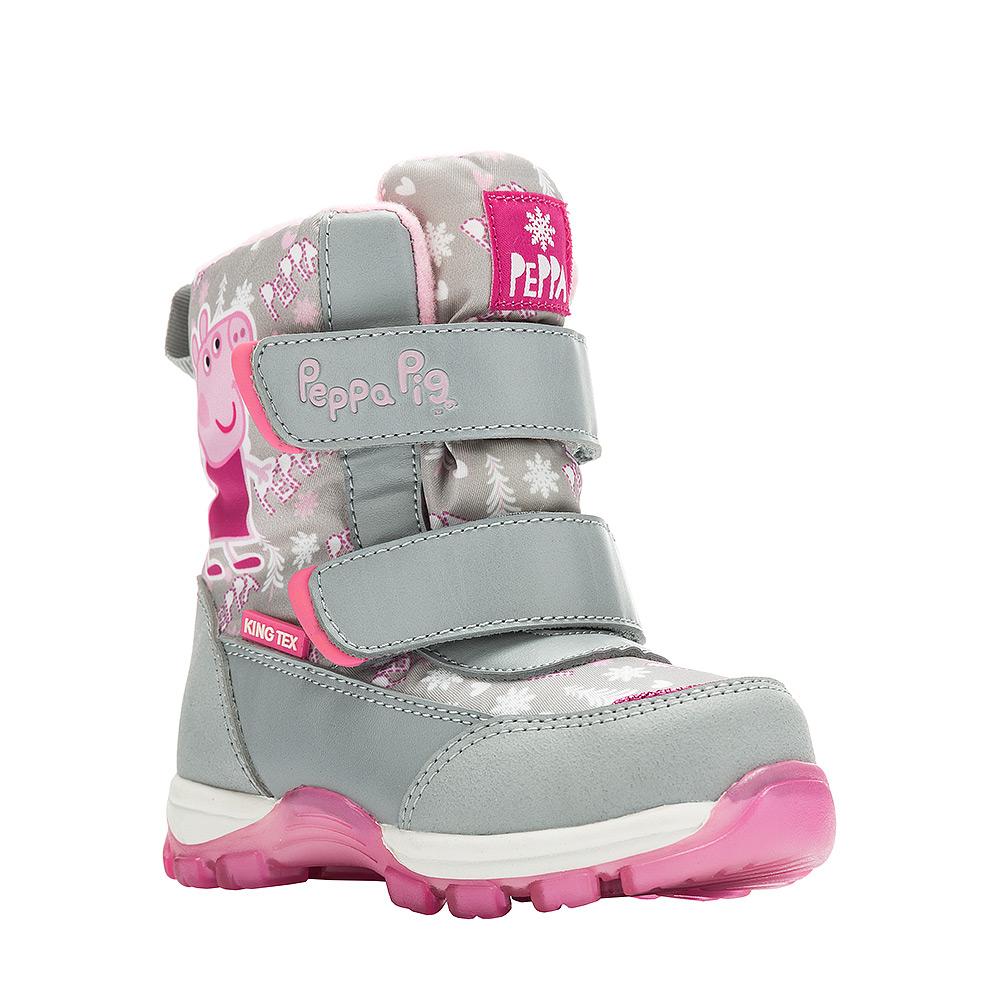Ботинки6550AДетские зимние ботинки Peppa Pig от Kakadu придутся по душе вашей девочке. Обувь отличается от аналогов модным дизайном и высокой эргономичностью. Модель оснащена мембраной King Tex. Подкладка из натуральной шерсти обеспечивает ногам тепло и сухость при любых климатических условиях. Подошва из термопластичной резины отличается малым, хорошей сцепляемостью с поверхностью и высокой пружинистостью. Благодаря этим качествам дети могут совершать длительные прогулки без чувства усталости в ногах. Детские зимние ботинки оформлены ярким рисунком свинки Пеппы. Ремешки на липучках надежно фиксируют изделие на ноге.