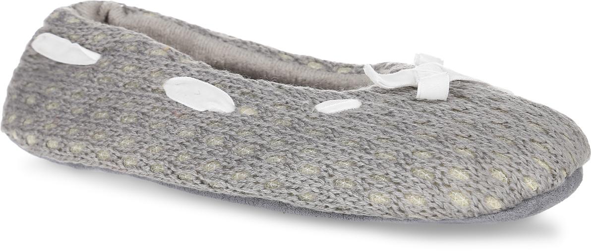 H35Женские вязанные тапки Burlesco не дадут вашим ногам замерзнуть. Модель выполнена из мягкого текстиля и оформлена небольшим бантиком. Внутренняя поверхность и стелька также выполнены текстильного материала с небольшим ворсовым покрытием. Тапки обеспечат прогрев ног сухим теплом, защитят от воздействия холода и сквозняков, и снимут усталость ног. Легкие и мягкие тапки подарят чувство уюта и комфорта.