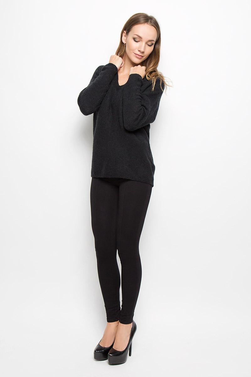 Пуловер16051606_BlackСтильный женский пуловер Selected Femme, выполненный из сочетания высококачественных материалов, необычайно мягкий и приятный на ощупь, не сковывает движения, обеспечивая наибольший комфорт. Модель с V-образным вырезом горловины и длинными рукавами великолепно сидит. Пушистый пуловер мелкой вязки поможет вам создать стильный современный образ в стиле Casual. Этот удобный и стильный пуловер станет отличным дополнением к вашему гардеробу. В нем вы всегда будете чувствовать себя уютно в прохладное время года.