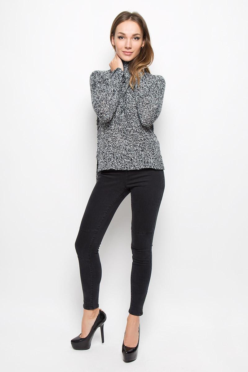 Свитер10159274_BlackЖенский свитер Vero Moda Denim станет стильным дополнением к вашему гардеробу. Выполненный из акриловой пряжи, он очень мягкий и приятный на ощупь, не сковывает движения и хорошо сохраняет тепло. Свитер с длинными рукавами-реглан и высоким воротником-стойкой великолепно подойдет для создания современного образа в стиле Casual. Воротник, манжеты и низ изделия связаны крупной резинкой. Спинка модели удлинена, по бокам имеются разрезы. Такой свитер идеально подойдет для прохладной погоды, в нем вы всегда будете чувствовать себя уютно и комфортно.