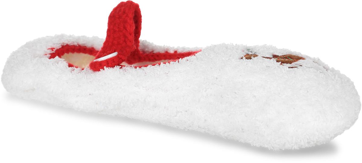 H37Женские вязанные тапки Burlesco не дадут вашим ногам замерзнуть. Модель выполнена из мягкого текстиля с небольшим ворсом и застегивается хлястиком на пуговицу. Изделие оформлено небольшой аппликацией в виде оленя. Подошва дополнена силиконовыми вставками против скольжения. Тапки обеспечат прогрев ног сухим теплом, защитят от воздействия холода и сквозняков, и снимут усталость ног. Легкие и мягкие тапки подарят чувство уюта и комфорта.