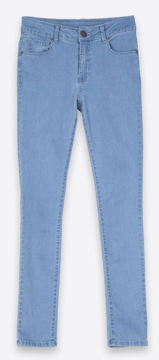 ДжинсыSSP2347NIЖенские джинсы Top Secret изготовлены из хлопка с добавлением полиэстера и эластана. Укороченная модель-скинни застегивается на пуговицу и имеет ширинку на застежке-молнии. Спереди расположены два втачных кармана и один маленький накладной, сзади - два накладных кармана.