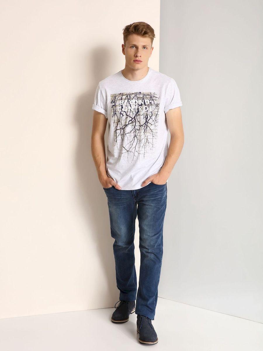 SPO2905BEМужская футболка, выполненная из 100% хлопка, оформлена оригинальным принтом с надписью. Модель со стандартным коротким рукавом и круглым вырезом горловины.