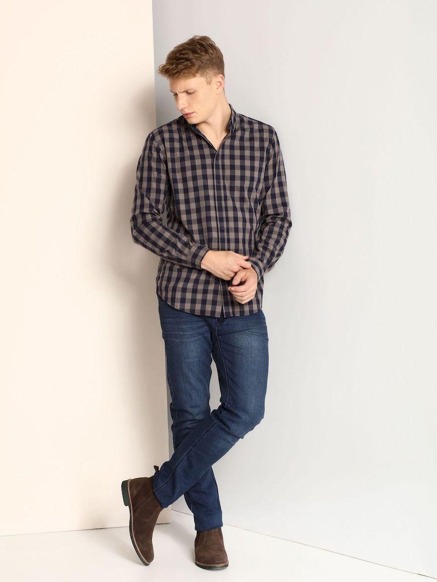 РубашкаSKL2098NIМужская приталенная рубашка выполнена из хлопка и оформлена клетчатым принтом. Спереди изделие застегивается на пуговицы. Модель со стандартным длинным рукавом и отложным воротником.