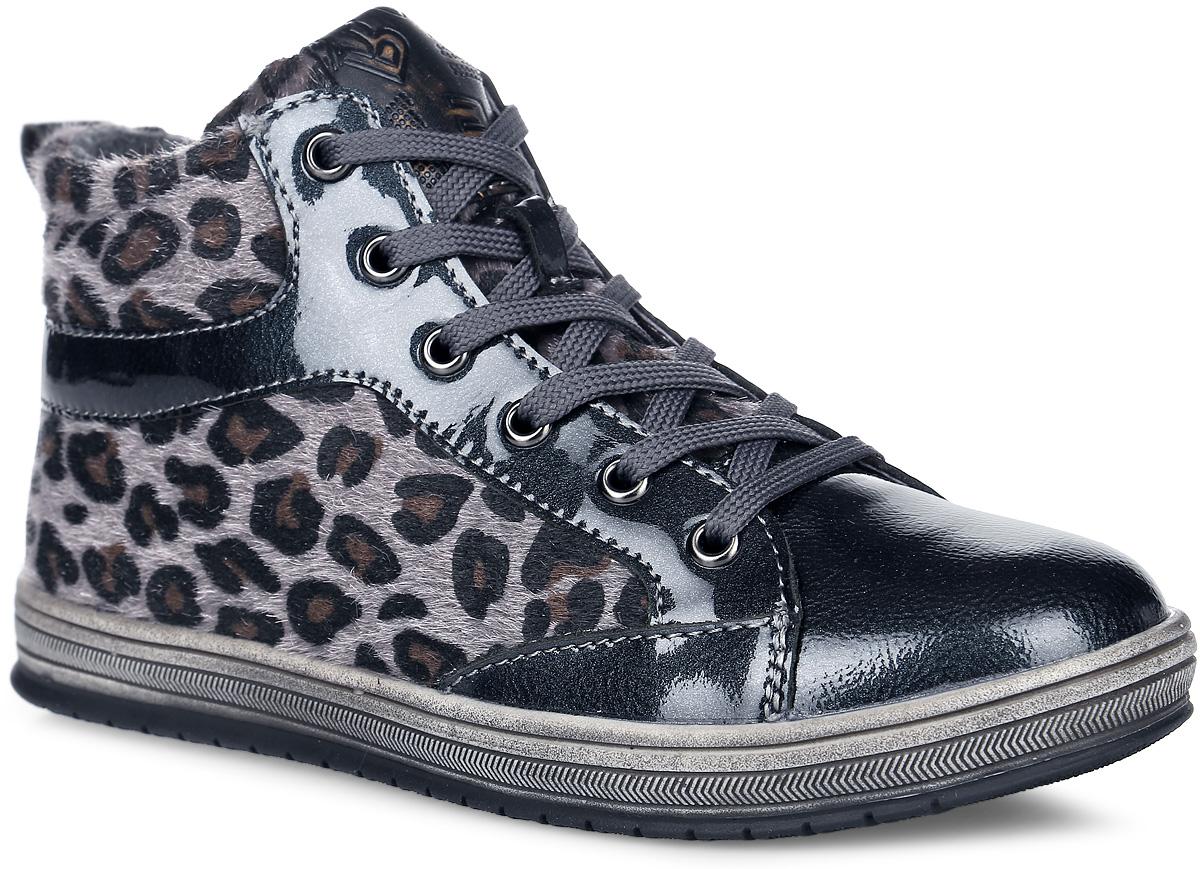 54250Модные ботинки от от Kapika заинтересуют вашу юную модницу с первого взгляда. Обувь изготовлена из натуральной ворсистой кожи с элементами из искусственной лаковой кожи. Модель оформлена леопардовым принтом. На ноге обувь фиксируется с помощью удобной застежки-молнии. Объем регулируется с помощью шнуровки. Внутренняя поверхность и стелька изготовлены из утепленного текстиля с добавлением шерсти и обеспечат ножкам комфорт и тепло. Ярлычок на заднике облегчит надевание модели. Подошва изготовлена из легкого и прочного ТЭП-материала, что гарантирует отличное сцепление с любой поверхностью. Такие стильные и удобные ботинки займут достойное место в гардеробе вашей девочки.