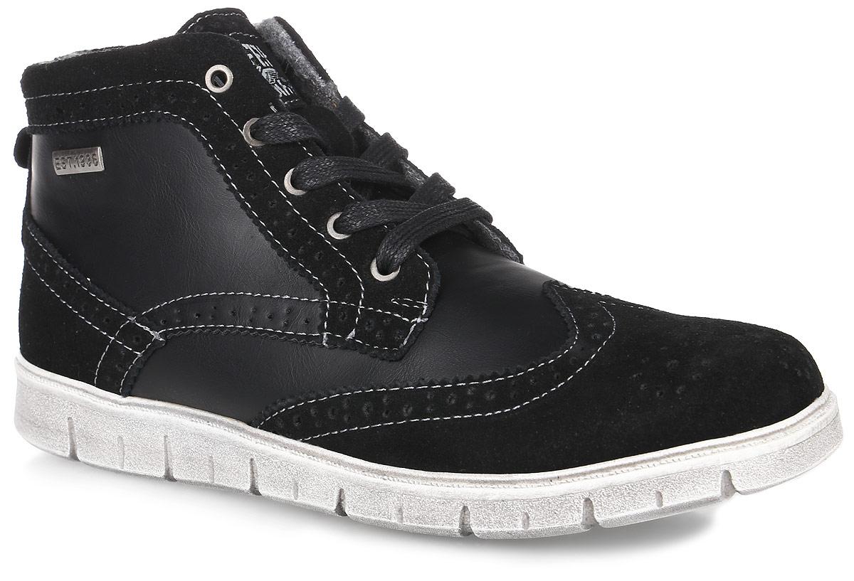 654016-32Ботинки на модной спортивной подошве, оформленные под броги. Материал верха комбинирован из натуральной и искусственной кожи. На ноге ботинки крепятся за счёт шнуровки и молнии, такой вариант крепления позволит легко быстро обуть и снять обувь. Подкладка и стелька выполнены из байки.