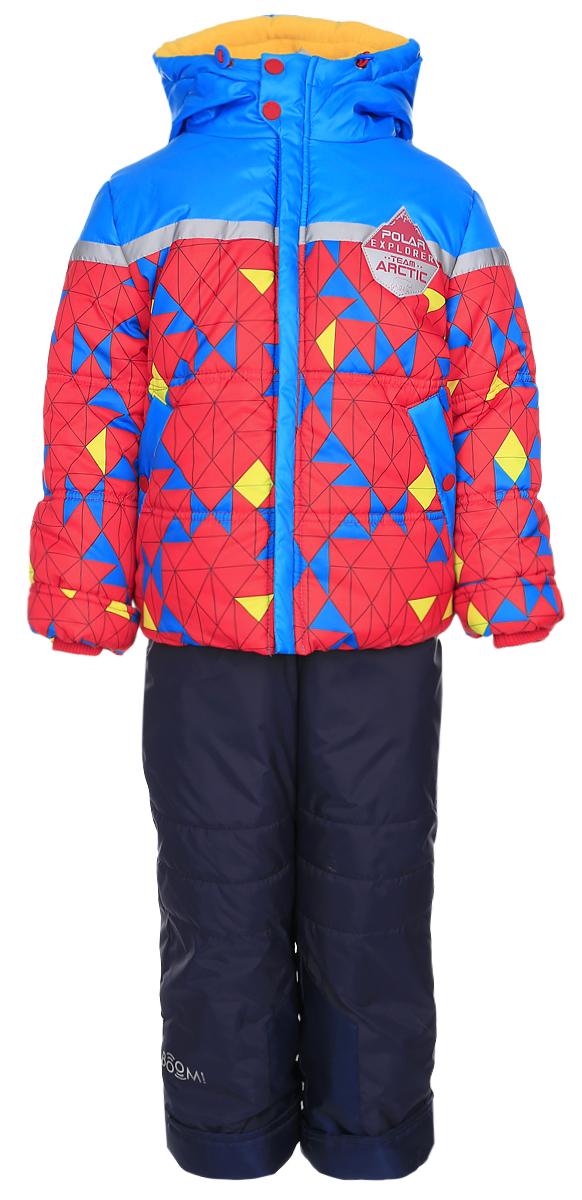 Комплект верхней одежды64362_BOB_вар.1Яркий комплект для мальчика Boom!, состоящий из куртки и полукомбинезона, идеально подойдет вашему ребенку в холодную погоду. Комплект, изготовленный из водоотталкивающей и ветрозащитной ткани, утеплен синтепоном. В качестве подкладки используется полиэстер с добавлением вискозы. Куртка с капюшоном застегивается на пластиковую молнию. Капюшон не отстегивается и регулируется скрытой резинкой с стопперами. Манжеты рукавов отделаны эластичной широкой резинкой, которая мягко обхватывает запястья, не позволяя просачиваться холодному воздуху. По бокам куртка дополнена двумя прорезными кармашками на кнопках. Внизу изделие дополнено ветрозащитной вставкой от ветра и снега, застегивается на кнопку. Оформлена модель ярким принтом и украшена небольшой нашивкой на груди. Полукомбинезон застегивается на застежку-молнию. Модель оснащена эластичными наплечными лямками, регулируемыми по длине. Лямки пристегиваются при помощи застежек-липучек. На талии...