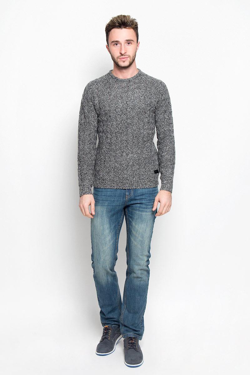 ДжемперW8571R201Стильный мужской джемпер Wrangler, выполненный из высококачественной 100% шерсти, необычайно мягкий и приятный на ощупь, не сковывает движения, обеспечивая наибольший комфорт. Модель с круглым вырезом горловины и длинными рукавами идеально гармонирует с любыми предметами одежды и будет уместен и на отдых, и на работу. Низ изделия, горловина и манжеты связаны широкой резинкой, что предотвращает деформацию при носке. Изделие выполнено фирменной вязкой. Мягкий и уютный джемпер станет прекрасным дополнением вашего гардероба.