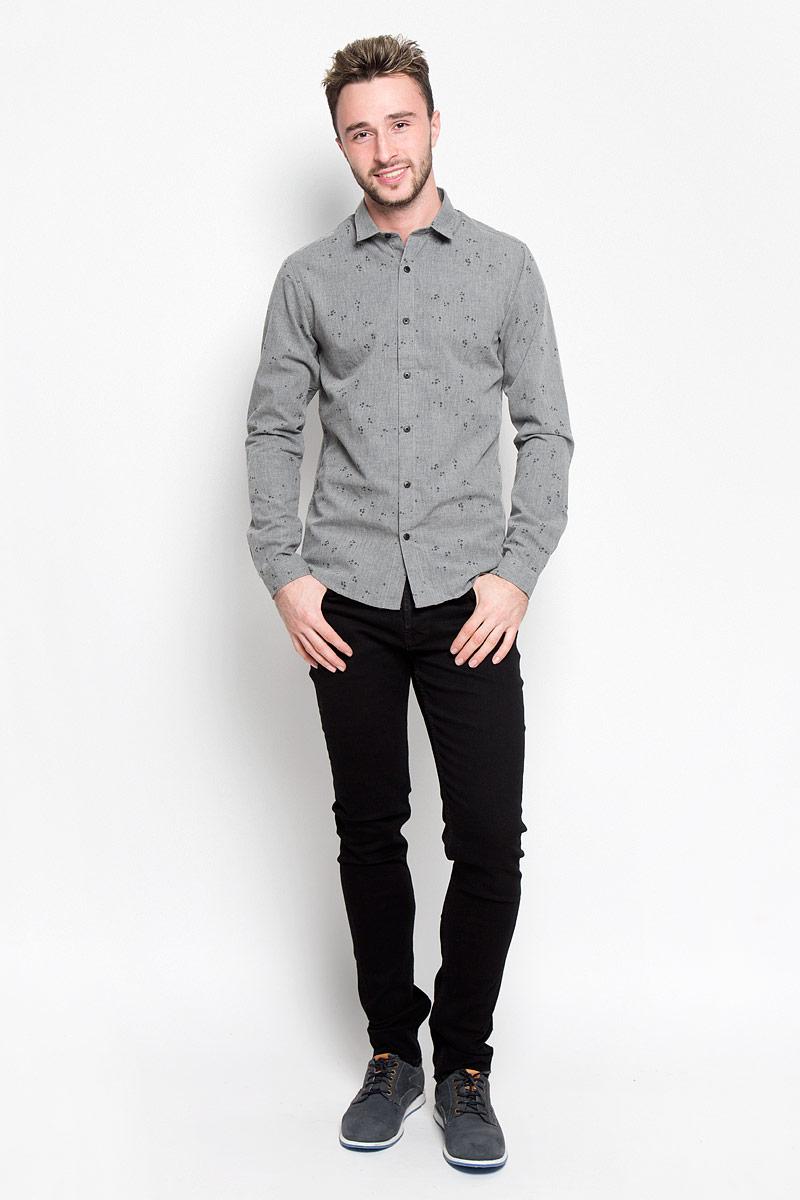 Рубашка22004263_Dark Grey MelangeСтильная мужская рубашка Only & Sons, выполненная из хлопка с добавлением полиэстера, подчеркнет ваш уникальный стиль и поможет создать оригинальный образ. Такой материал великолепно пропускает воздух, обеспечивая необходимую вентиляцию, а также обладает высокой гигроскопичностью. Рубашка slim fit с длинными рукавами и отложным воротником застегивается на пуговицы спереди. Манжеты рукавов также застегиваются на пуговицы. Рубашка оформлена принтом в виде стрелок. Классическая рубашка - превосходный вариант для базового мужского гардероба и отличное решение на каждый день. Такая рубашка будет дарить вам комфорт в течение всего дня и послужит замечательным дополнением к вашему гардеробу.